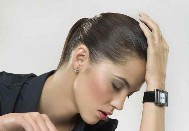 Кружится голова и тошнит: первая помощь и лечение