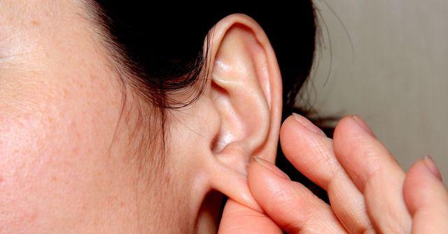 массаж от головной боли на ушах