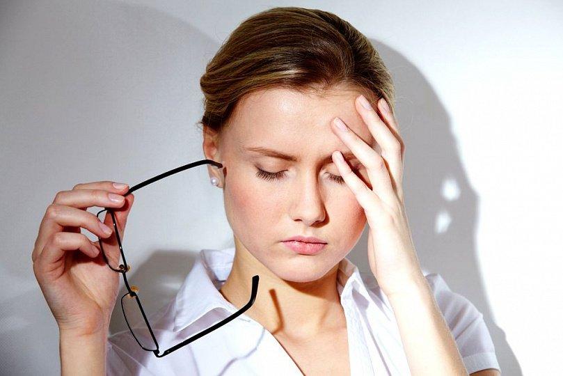 Мигрень без ауры: что это, сипмтомы