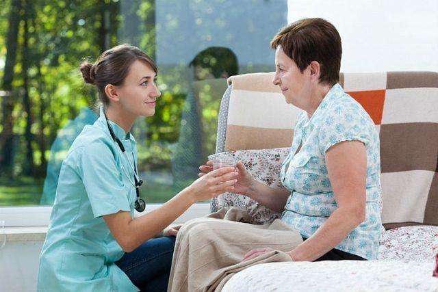 Действия до приезда врачей при инсульте