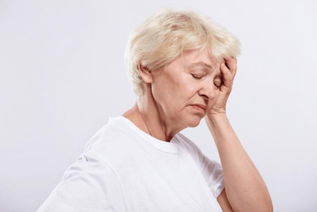 сильное головокружение у пожилого человека лечение