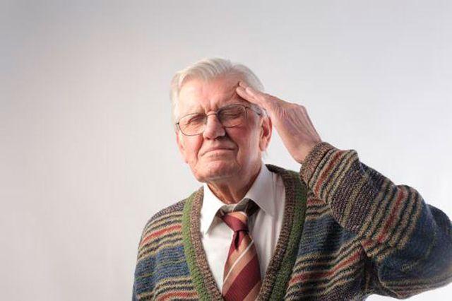 Головокружение и слабость при нормальном давлении у пожилых людей