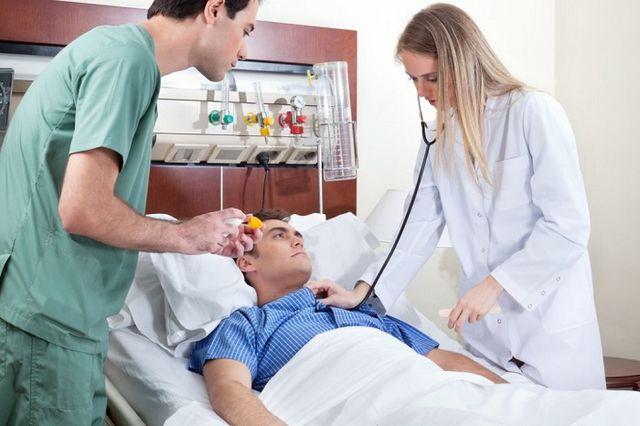Инсульт в молодом возрасте – главные отличия от инсульта у пожилых пациентов, клинические симптомы инсульта.