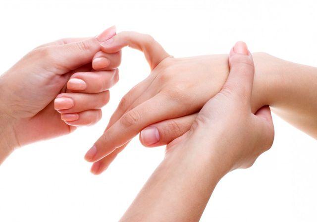 Чем снять отек руки после инсульта thumbnail